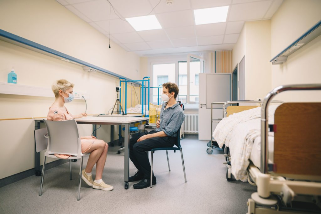 MEDiC SkillsLab - Patientengespräch mit Schauspieler
